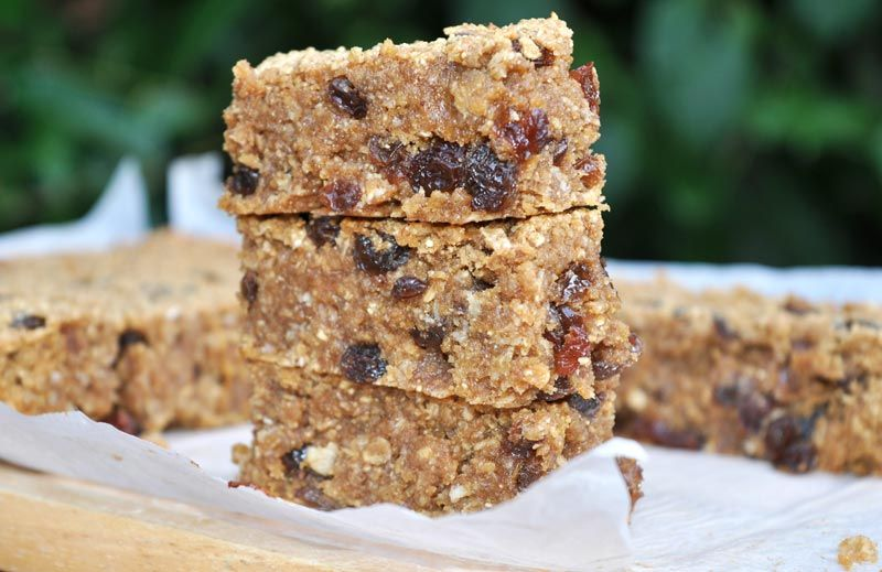 Banana-and-Raisin-Flapjacks-0006