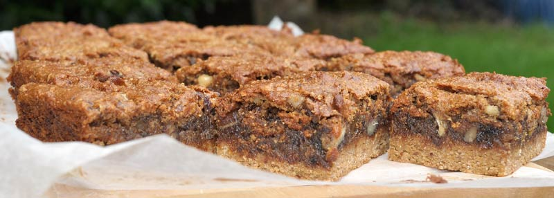 Caramel-Date-And-Walnut-Slice-0004