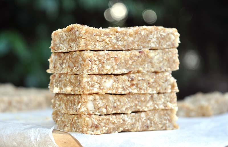 No Bake Date and Brazil Nut Energy Bars