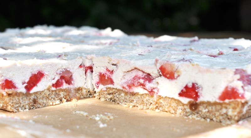 White Chocolate and Strawberry Slice 0004