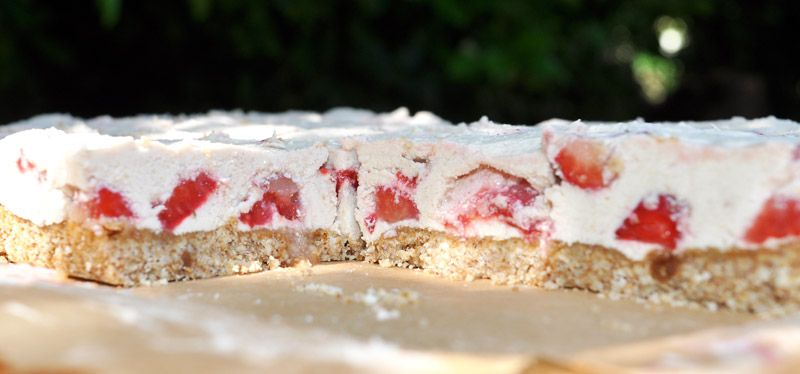 White Chocolate and Strawberry Slice 0005