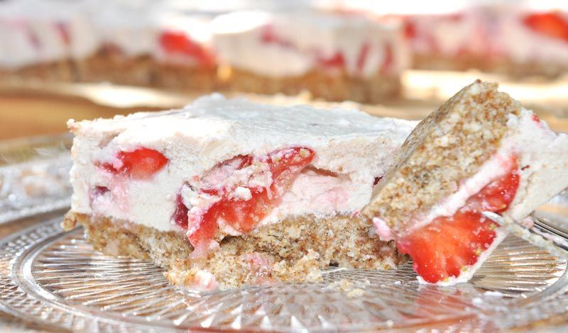 White Chocolate and Strawberry Slice