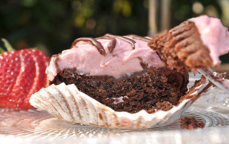 Chocolate Cupcakes With Strawberry Cheesecake Frosting 0010
