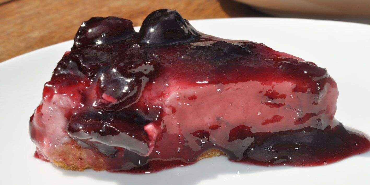 Dark-Sweet-Cherry-Cheesecake
