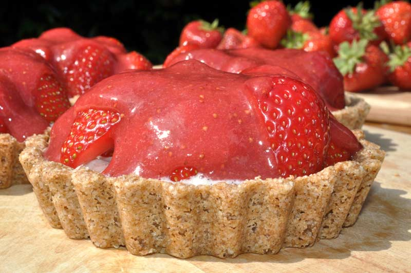 Yummy-Strawberry-Coconut-Cream-Tart