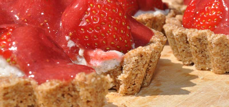 vegan-Strawberry-Coconut-Cream-Tart