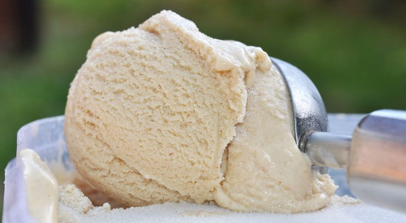 Super-Yummy-Peanut-Butter-Ice-Cream-0002